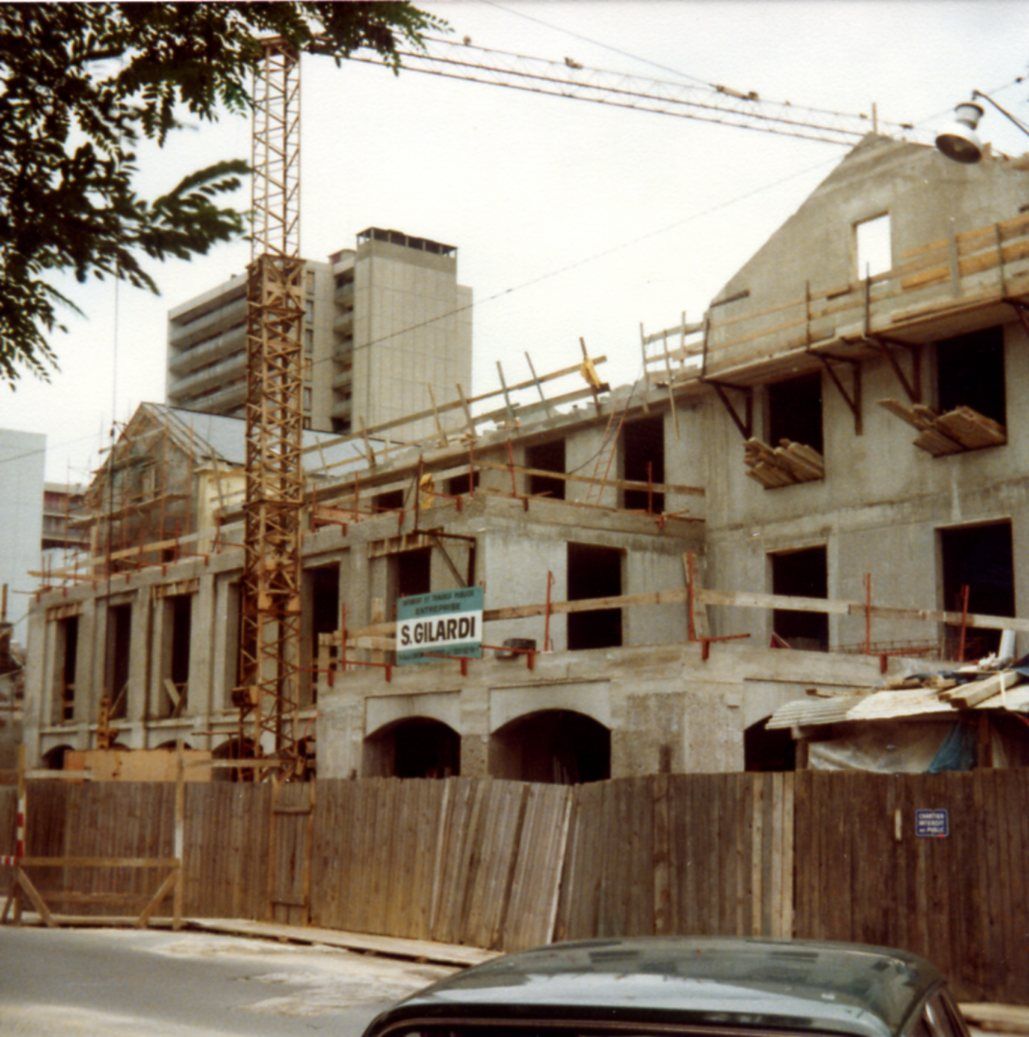 Travaux d'agrandissement sous la direction de l'architecte Yves Boiret en 1980-1981. Photo M. Parbelle